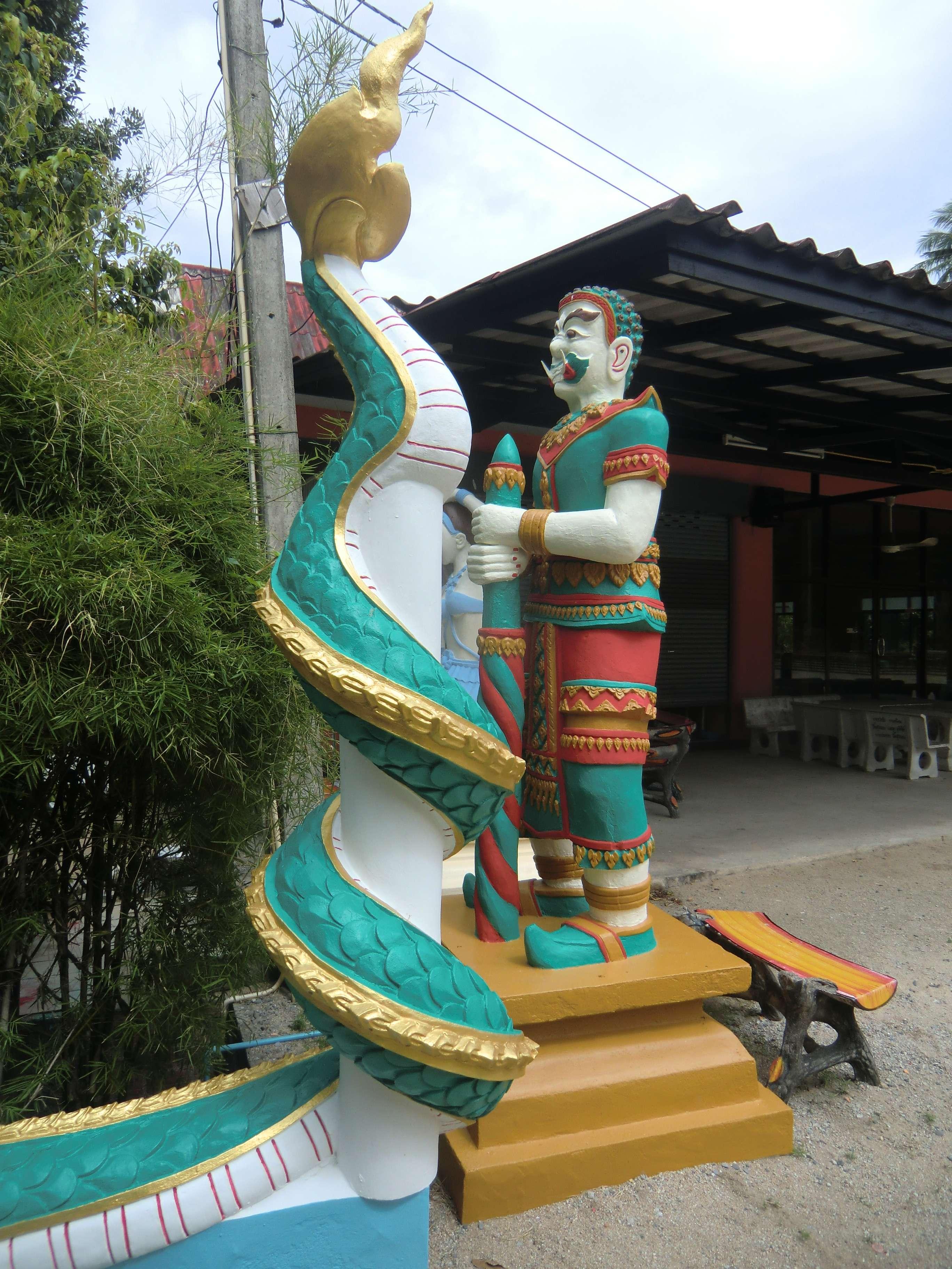 Statue neben der Treppe